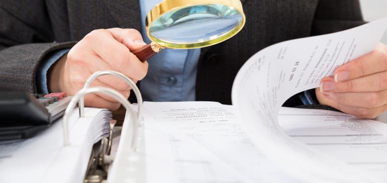В этой связи, на основании вашего обращения, государственным инспектором труда согласно требованиям статьи предпринимательского кодекса республики казахстан при проведении внеплановой проверки обязан был известить проверяемый субъект о начале проведения внеплановой проверки не менее чем за сутки до начала самой проверки с указанием предмета проведения проверки.