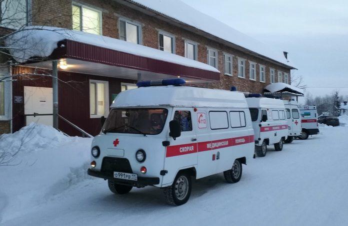 автомобиль скорая помощь медицина красный крест