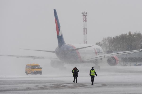В Усинске из-за непогоды закрыт аэропорт - Усинск Онлайн